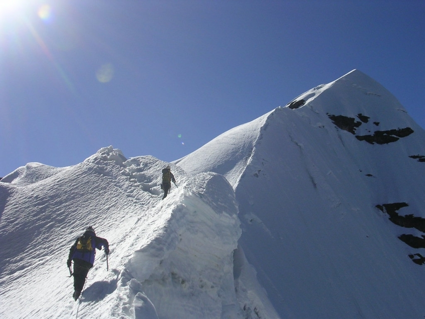 Pequeno Alpamayo_Boliva_Ridge