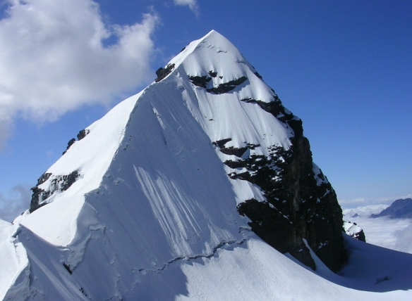 Pequeno Alpamayo_Bolivia_Summit ridge